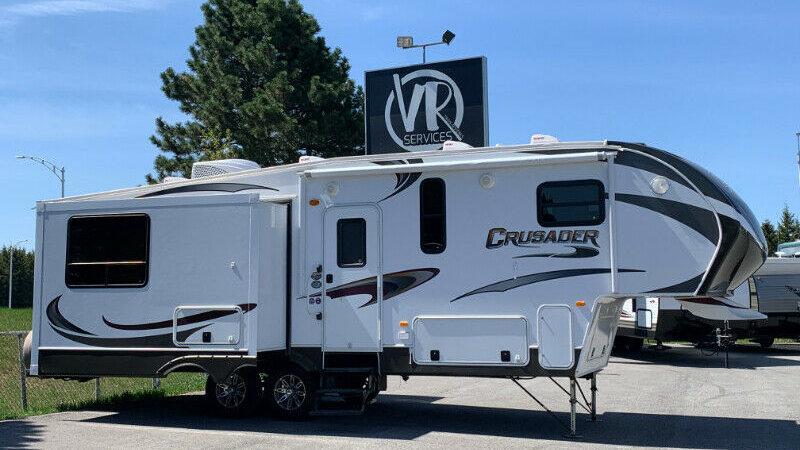 Fifth Wheel 2012 Crusader 29 pieds