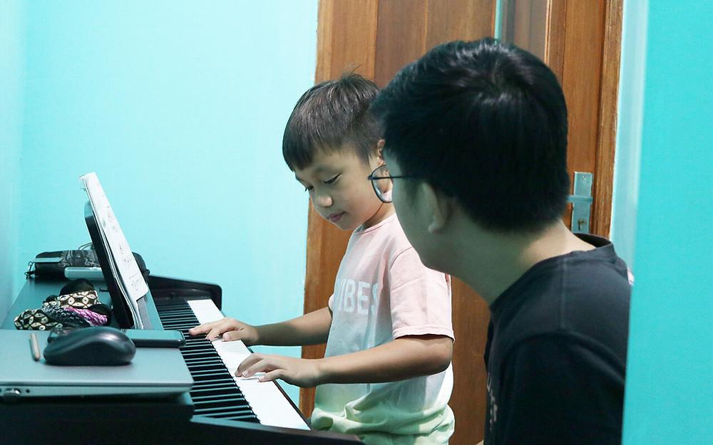 Guru Piano Jakarta