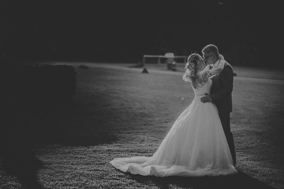 Amanda-and-Evan-Wedding-at-Audleys-Wood-Hotel-Basingstoke-Hampshire-Manu-Mendoza-Wedding-P