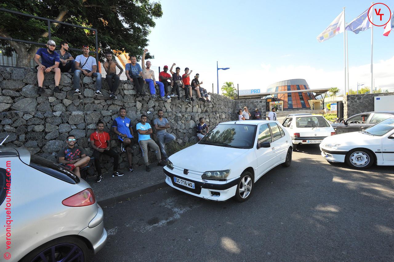 Manifestation des étudiants devant le campus pro, Saint-Pierre (La Reunion) 2017.