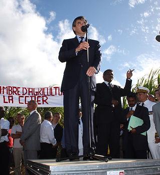 Politique_Fillon_(La_Reunion)_2009_©_VT.