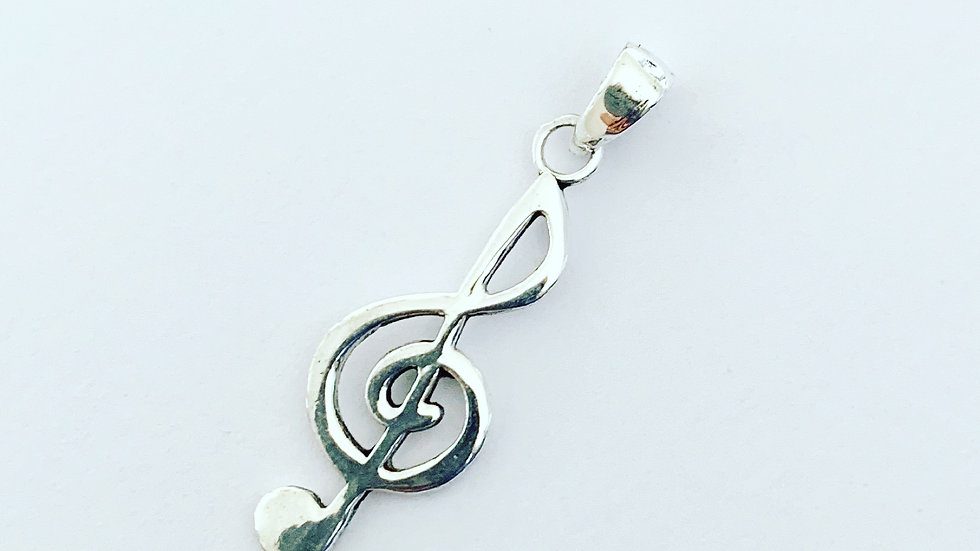 Treble clef charm in 925 silver