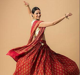 Bollywood%201_edited.jpg
