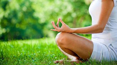 yoga_í_gudsgrænni.jpg
