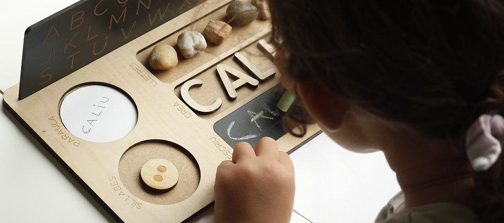 Tabla de lectoescritura diseñada por Divertología