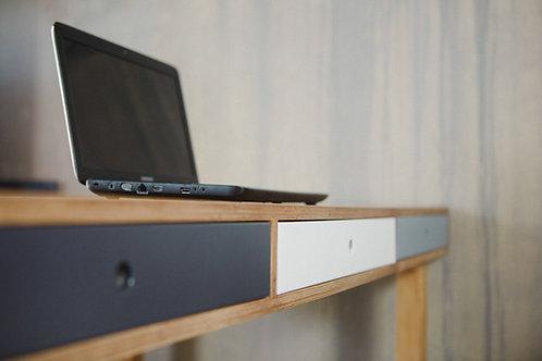 Manhatten Desk
