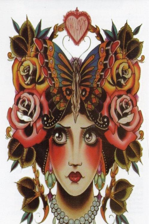 Vintage Frau mit Rosen im Haar