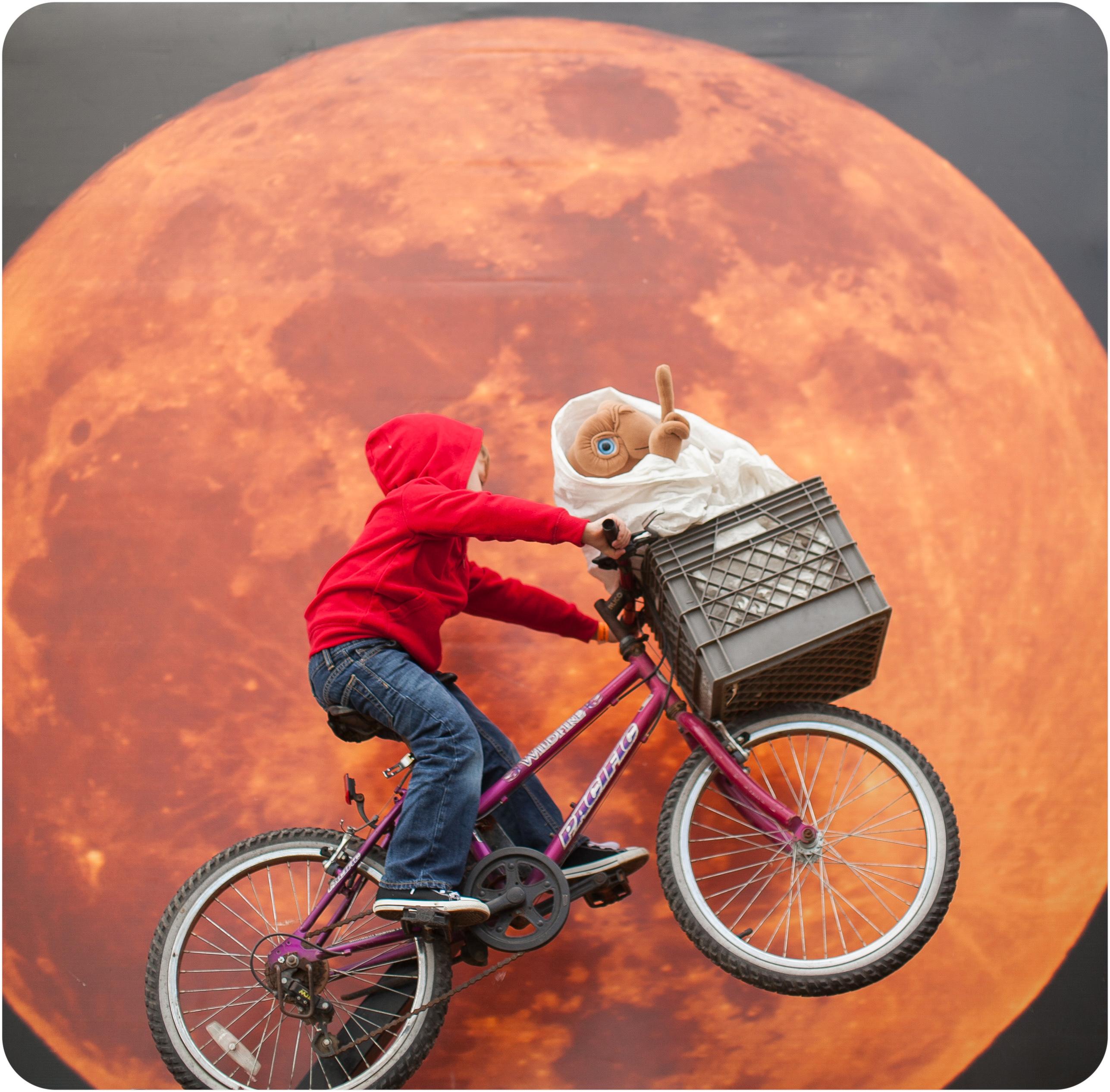 elliot epic moon shot