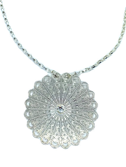Lacy Flower Necklace