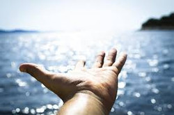 Hand_Commanding_TheOcean
