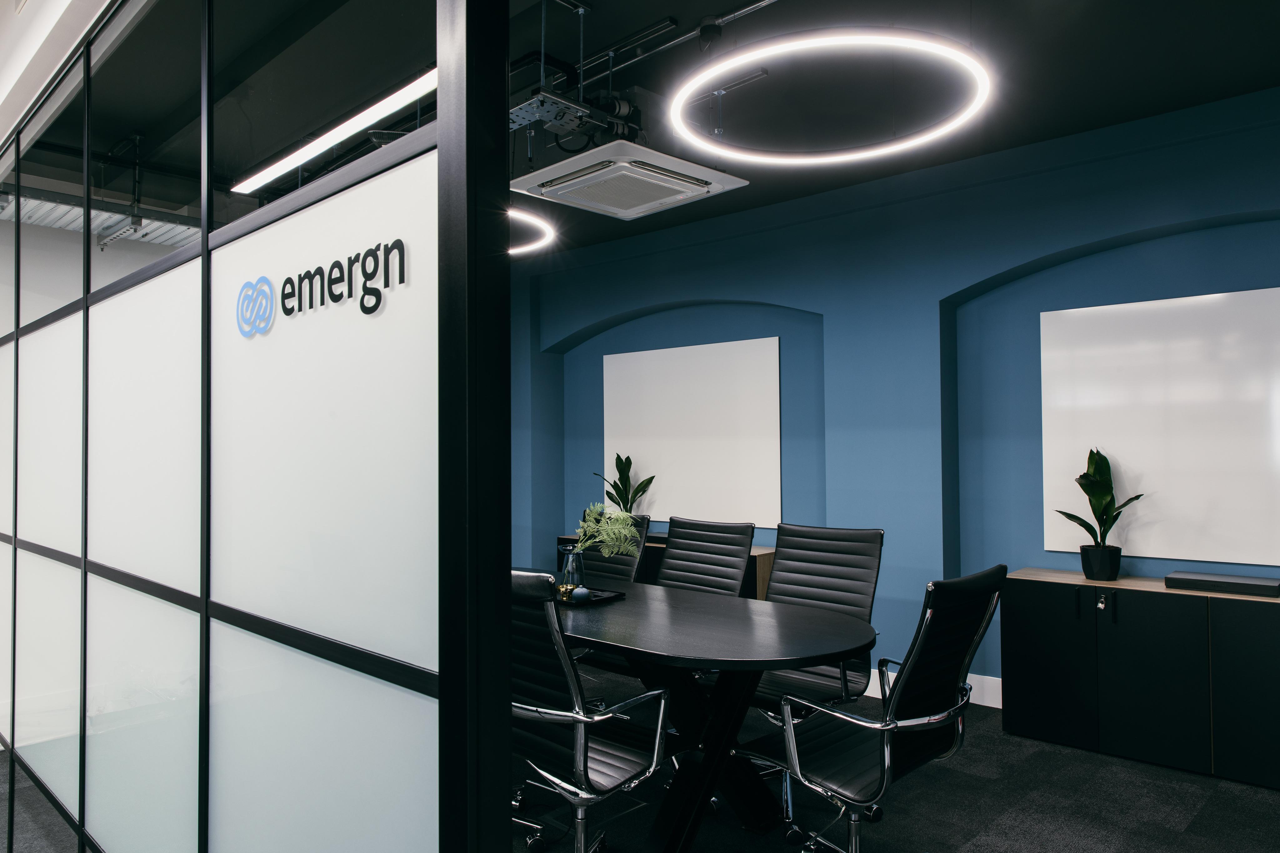 Emergn - [ IMG_2846 ]