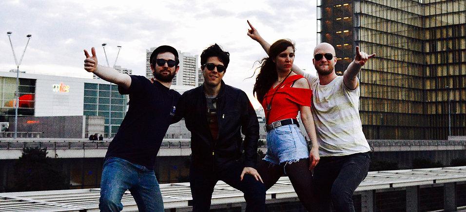 Le Cri : Greg (guitare), Vincent (batterie), Marie-Anne (basse), Victor (batterie, chant)