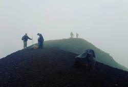 The peak of the Tongariro Crossing