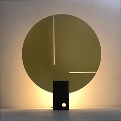 lamp09-0n.jpg