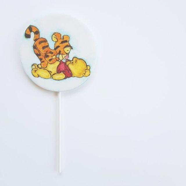 Winnie The Pooh & Tigger Cake Topper