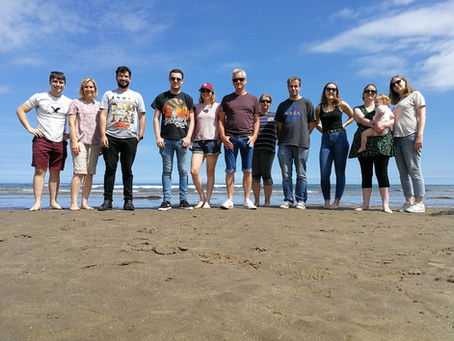 Genever Lab escapes to the beach