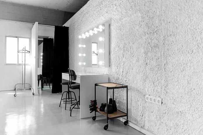 studio4_b_instudios_imagemationgr.jpg