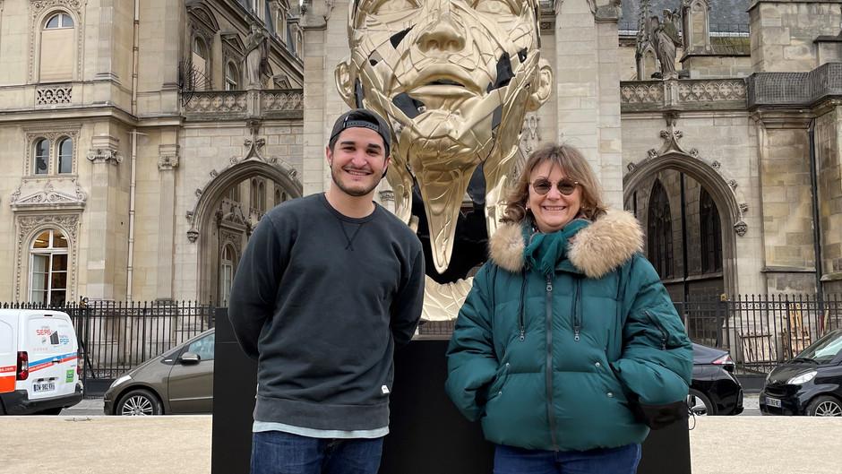 Hopare expose ses sculptures face au Louvre à #ParisCentre