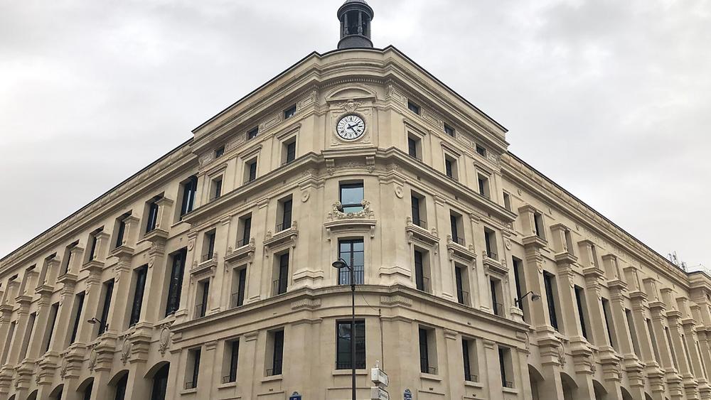 L'extérieur de la Poste du Louvre après travaux
