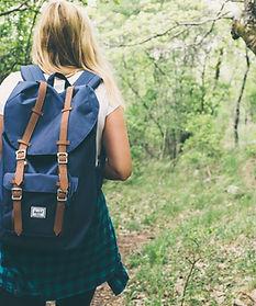 backpack-1836594_1920.jpg