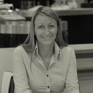 LINDSAY SMITH, Sales Manager