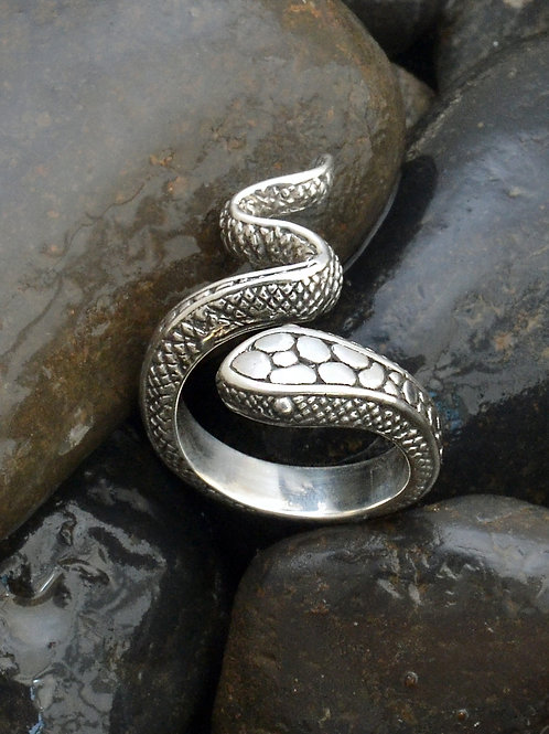 King Medusa Ring