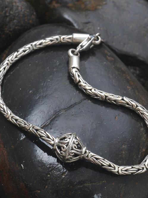 Bola chain bracelet