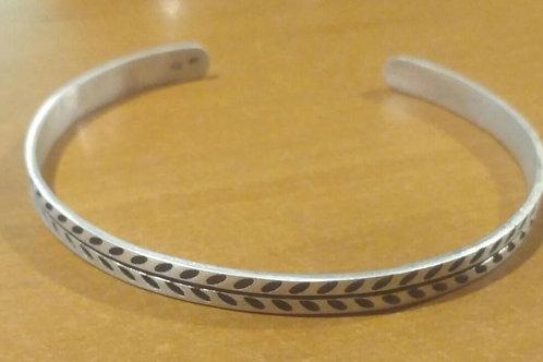 DAUN cuff bracelet