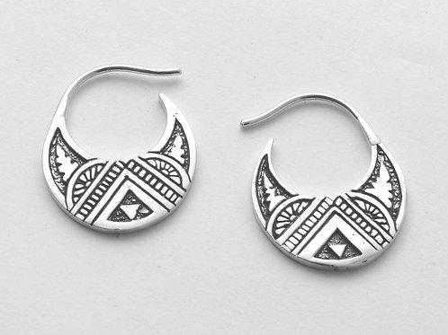 Dress me up in the LOOP earrings. ⠀⠀⠀⠀