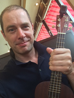 Dan Lewis ukulele