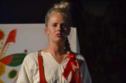 Sandra Gidlof as Julia
