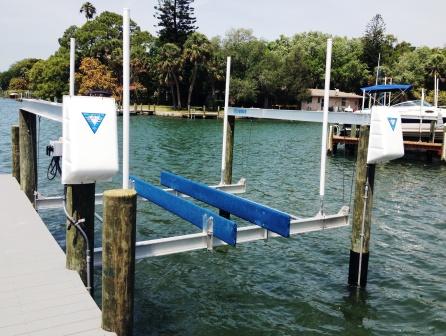 Deco Boat Lift