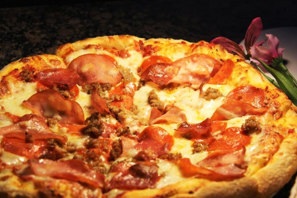 Meat-Lover-Pizza gulf gate sarasota