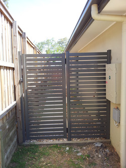 Aluminium Slat Gate and Return Panel