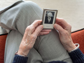 Helping Senior Loved Ones Manage Financial Decisions Following the Loss of a Spouse