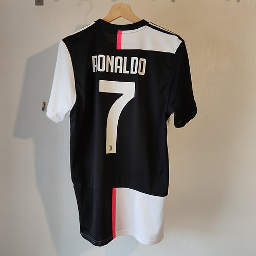BNWT Juventus 19/20 Home - Ronaldo 7 - Size M