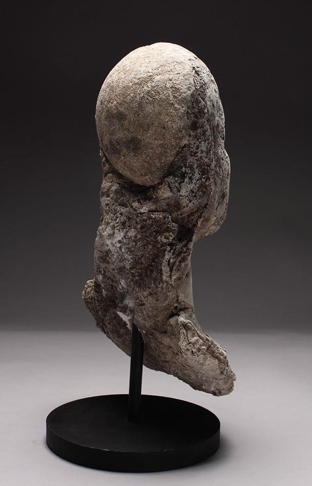 BROOKS ANCESTOR, POET (rear)