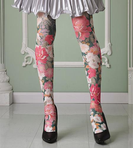 Japanese design printed tights by VIGALA