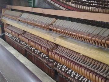 Piano doado para a SFNSC pela Sra. Dirce Mendes