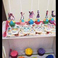 coco cakepops.jpg