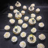 bee cupcake.jpg