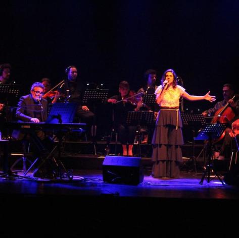 Uma Mulher não Chora em concerto
