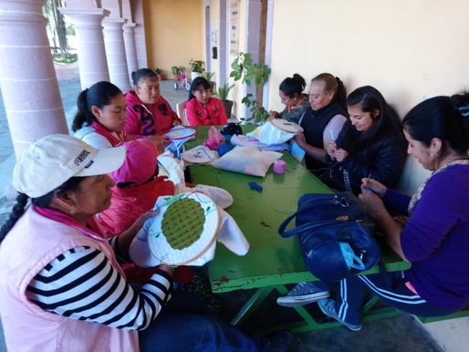 Inicio de Semana con Clase de Bordado en Santa María Zotoltepec.