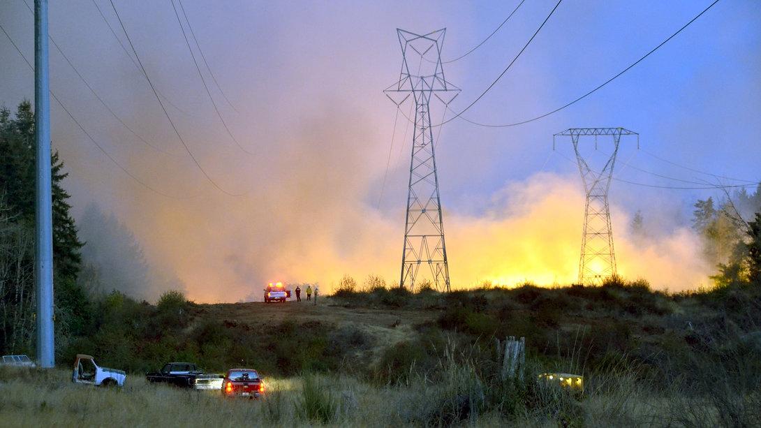 Util fire behind towers.jpg