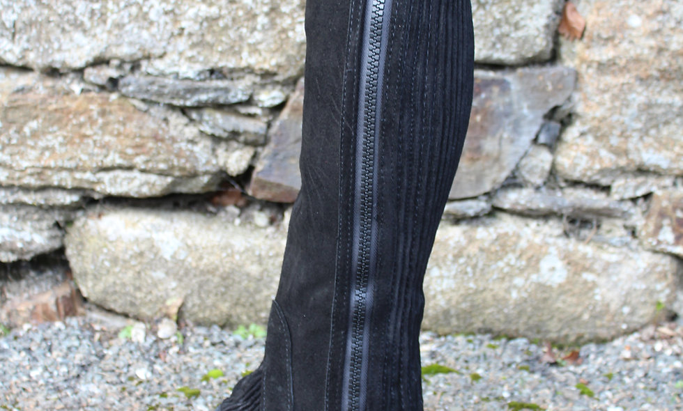 Equisential Suede Half Chaps