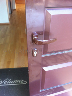 Дверной алюминиевый профиль