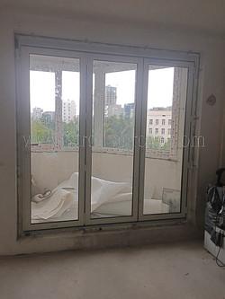 Алюминиевая раздвижная дверь гармошка