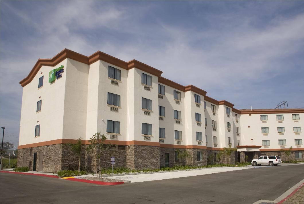 CH Holiday Inn Horizontal