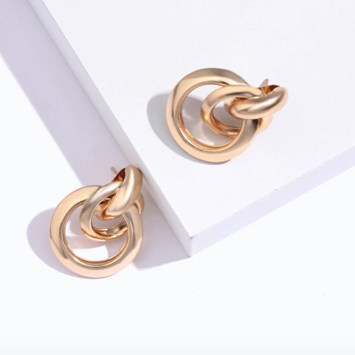 Milanetta Gold Overlap Earrings