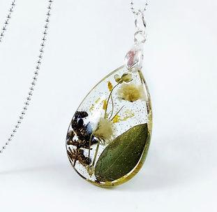 Wedding flower necklace preservation res